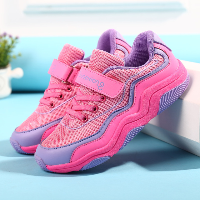 dc0c9caa976 2018 New Contrast Color Design Girls Running Shoes Kids Sneakers Outdoor  Sport Shoes for Children Trainers Mesh Breathable