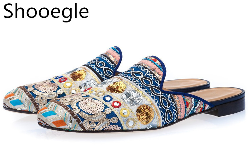 Men Ethnic Hand-Embroidered Shoes Slip-on Mules Bohemia Style Canvas Loafers Fashion Men Casual Shoes
