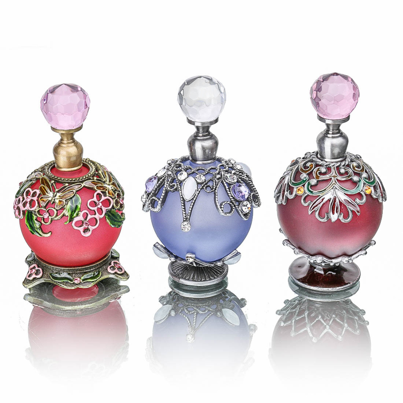 H&D Makeup Womens Gift Perfume Bottle Retro Metal Empty Round Beautiful Flower Pattern Adornment Bottle Crafts Home Decor