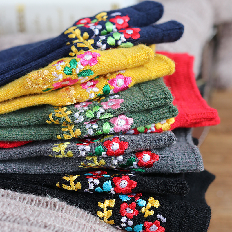 CHAOZHU Bohemia Floral Embroidery Vintage Sweet Women Autumn Winter Warm Fashion Wool   Socks   Cozy Kawai Japanese Girls   Socks