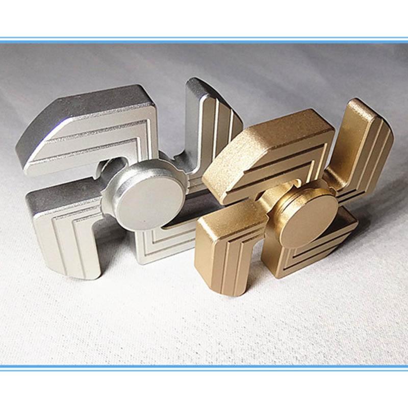 Vier Hand Hakenkreuz Spinner Zappeln Spinner Spielzeug Tetal Stress