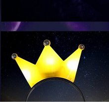 LeaadingStar Party Makeup Toy Plastic Flashing Crown Hair Clasp for Christmas  Hot Selling  White Color