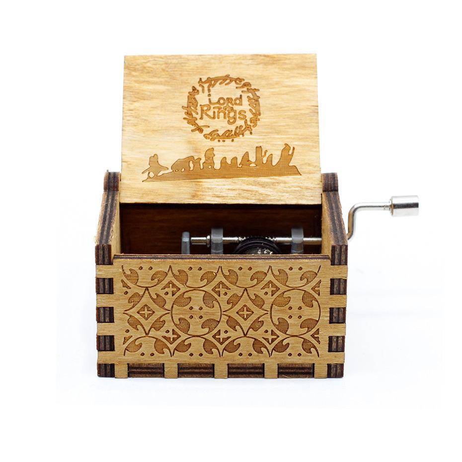 New Carved Queen Music Box Star Wars Game of Throne Castle In The Sky Hand Cranked Wood Music Box Christmas Gift - Цвет: 01