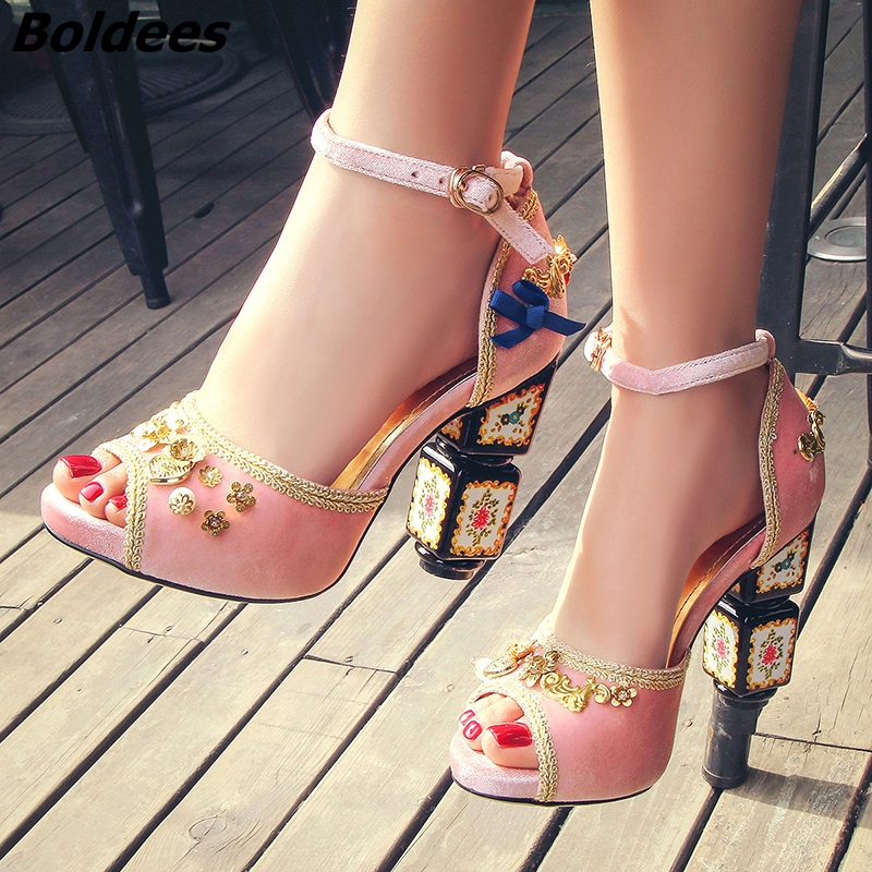 Glamorous Pink Suede Metal Flowers Butterfly-knot Stick High Heels Women Fashion Buckle Style Printed Strange Heel Pumps New knot hem printed tee