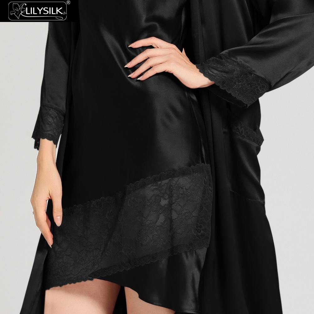 1000-black-22-momme-flowing-lace-silk-nightgown-&-dressing-gown-set-03