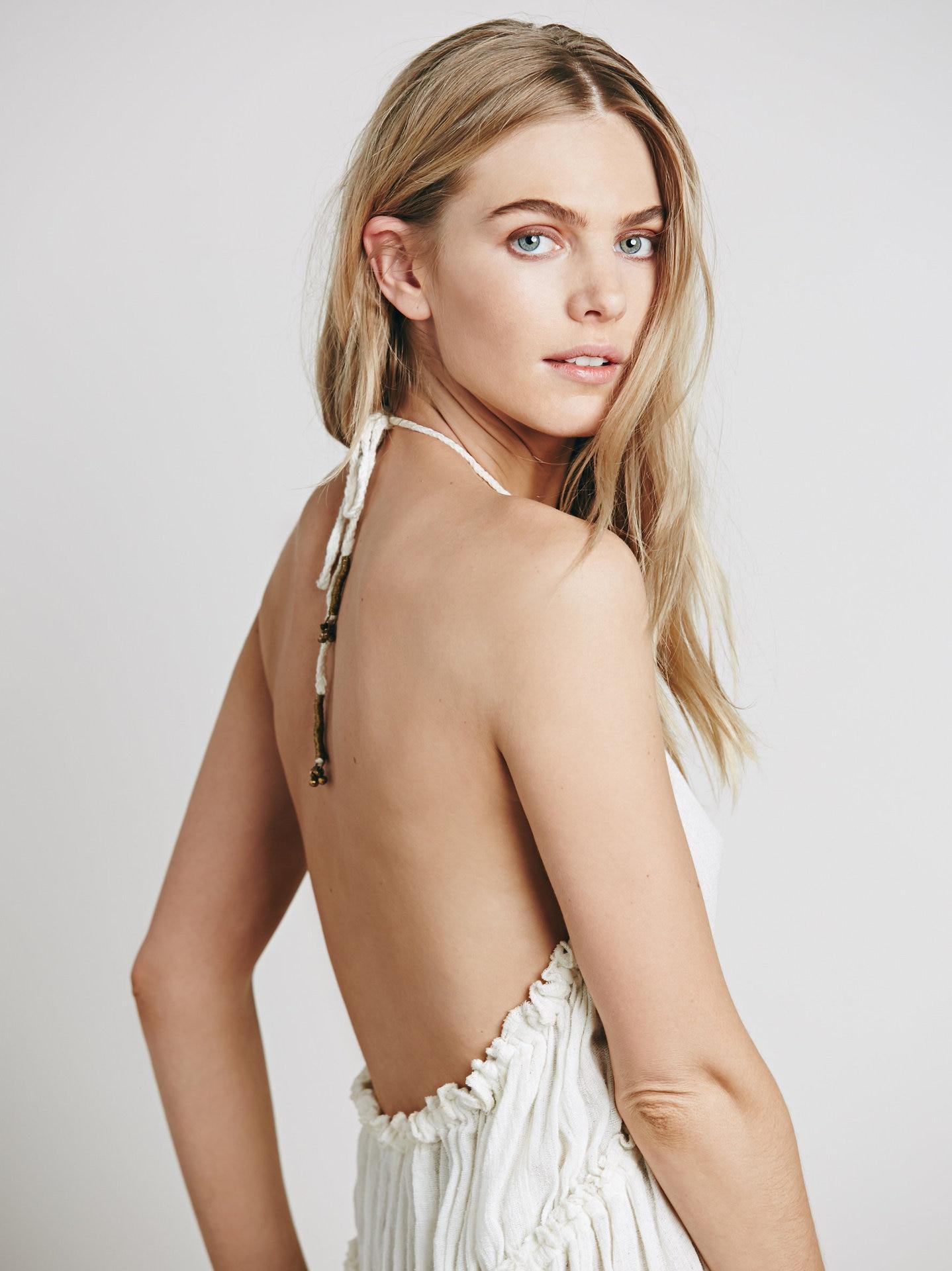 Beauty Backless V-Neck Long Dress 3