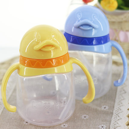 High quality 240ml baby water bottle <font><b>Penguin</b></font> shaped training bottle with soft straw/Kids drinkware straw mug <font><b>sippy</b></font> <font><b>cups</b></font>