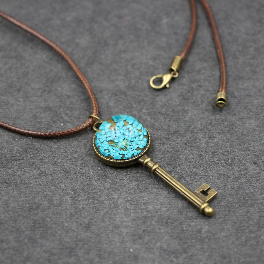 Original Design Natural Dried Flower Key Pendant Necklace Handmade Leather Chain Long Necklace Jewelry Bijoux Femme