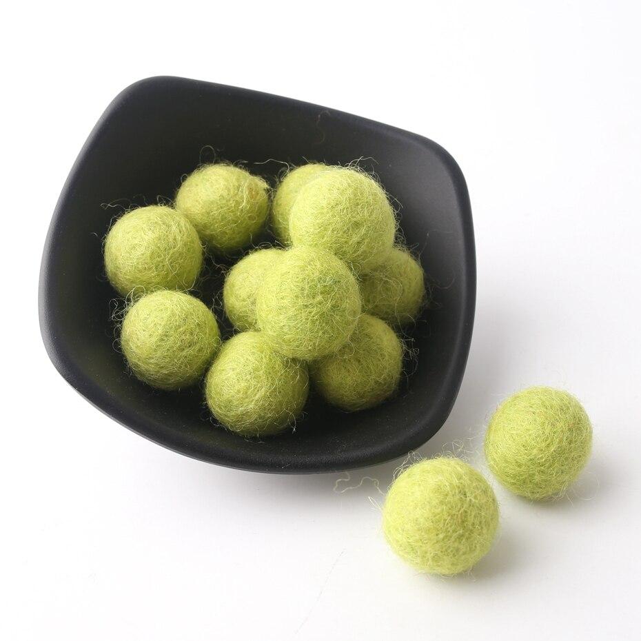 10pc/set 20mm Round Wool Felt Balls Wool Pom Poms Beads 18 Color DIY Craft Flocking Ball Wool Balls Jewelry Make Ring Rattle