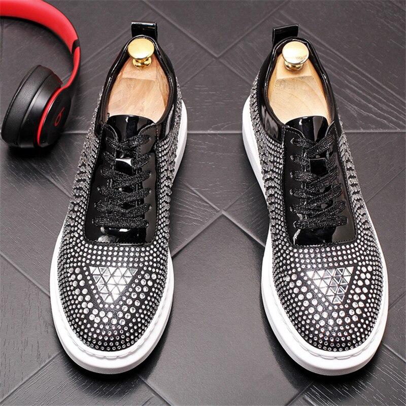 2019 nowy projektant mężczyźni Trendsetter glitter rhinestone modne na co dzień buty z grubą podeszwą męskie do chodzenia na co dzień sukienka na studniówkę mokasyny mokasyny w Męskie nieformalne buty od Buty na  Grupa 3