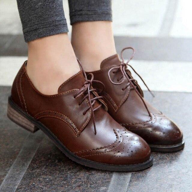 6e240ba5f3a6 € 48.44  Nuevo 2016 Vintage Pu de cuero zapatos Oxford de mujer moda Carve  Brogue Lace Up mujeres Oxfords Ladies Casual escuela Flat en Pisos de las  ...