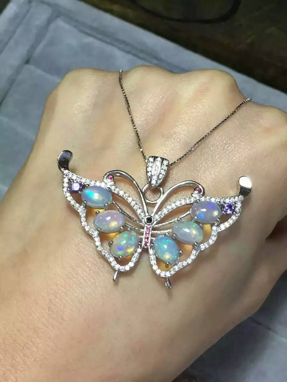 Naturel opale pierre pendentif 925 en argent Sterling naturel pierre pendentif collier à la mode mignon belle papillon mouche femmes bijoux