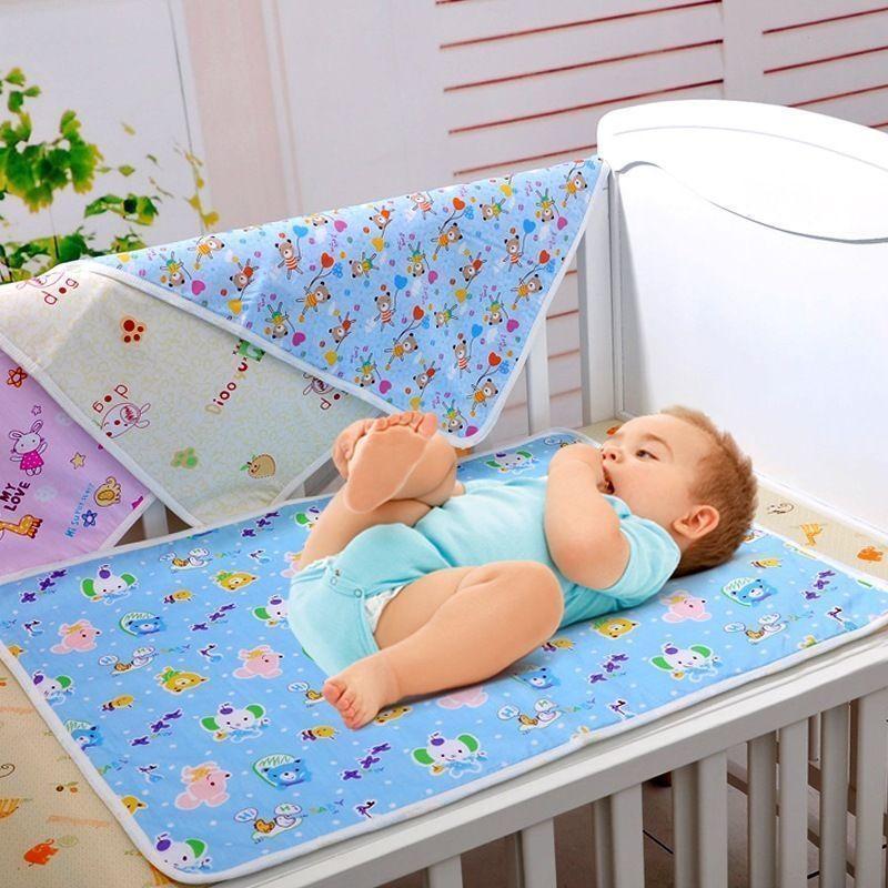 Pudcoco Newborn Baby Changing Pad Liners Waterproof Bamboo Baby Diaper Pads Waterproof Sheet Changing Mat Random Pattern