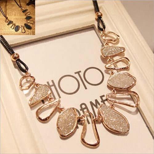 Brezplačna poštnina Nova ženska eleganten dizajn močan zlato - Modni nakit