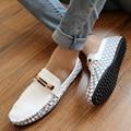 Estilo verão Homens Sapatos Mocassins Preguiçosos Mocassins Primavera Flats Business Casual Sapatos Masculinos Estilo Britânico Sapatos Único Frete Grátis