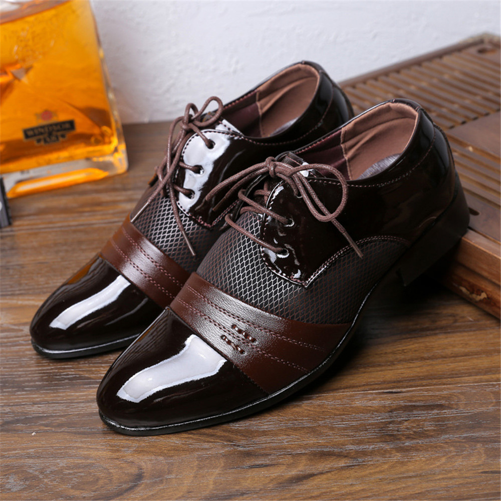 Men Pointed Toe Shoes Oxford PU Leather Men's Dress Shoes Business Flat Shoes Hollow Outs Breathable Men's Banquet Wedding Shoes