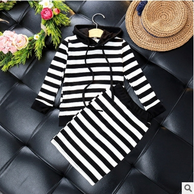 SexeMara Girl two sets of 2017 autumn new girl hooded sweater + half skirt stripes two suit minimum of two