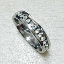 Élégant alliance mince 6mm 7g or blanc plaqué de mariage Bandes Complet Créé Rangée canal CZ diamant anneaux pour femmes USA(Hong Kong)