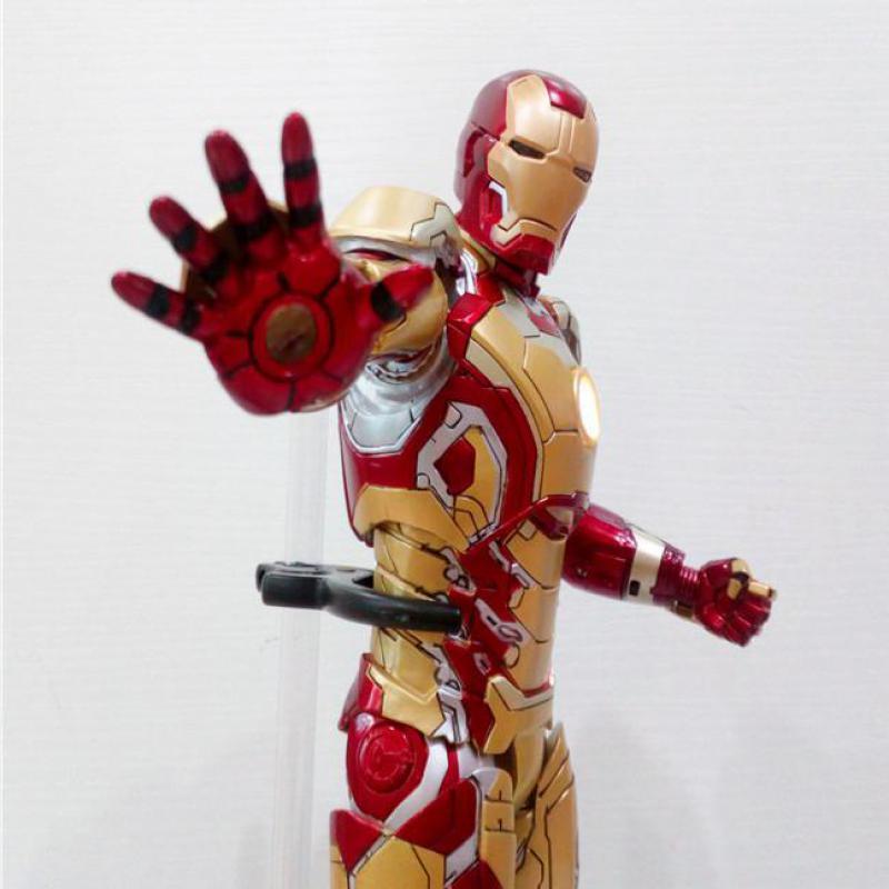 HC Marvel Figura Avengers Ironman MMS 197-002 MK42 Modello Giocattoli 28 centimetriHC Marvel Figura Avengers Ironman MMS 197-002 MK42 Modello Giocattoli 28 centimetri