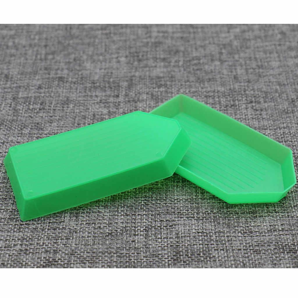 20 pcs Ferramenta DIY Rhinestone Diamante Caixa Pequena Receber Bandeja De Plástico/Placa Para Nail Art/Beleza Móvel/ grânulos da jóia Verde NOVO