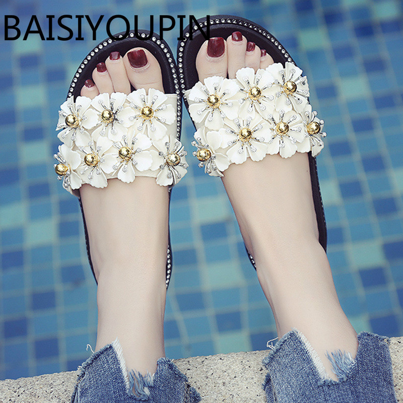 2018 Summer New Women Thick Bottom Slippers Female Lazy Shoes Antiskid Beach Shoes Student Flower Bead Cool Muffin Bottom Slides