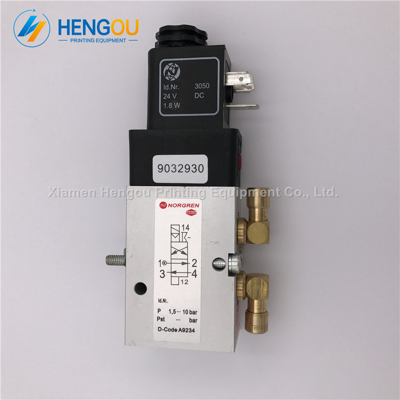 цена на 2 Pieces brand new Heidelberg parts 61.184.1311 Heidelberg 4/2-way valve for SM52 SM74 SM102 printing machines valve