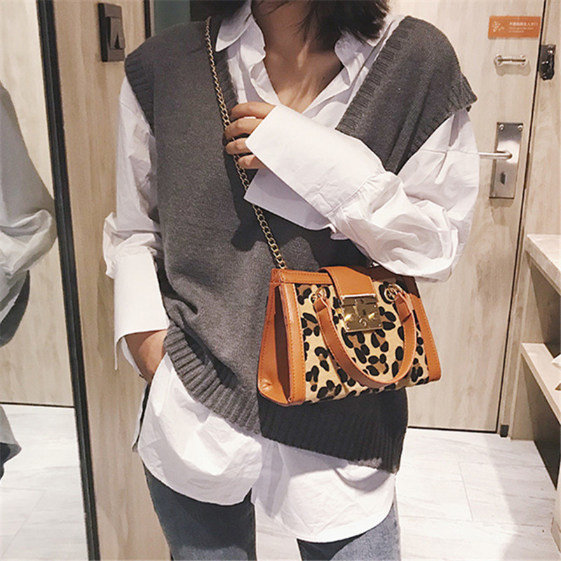 Female 2018 Korean style crossbody bags for women small Leopard print  handbag chain shoulder bag Messenger bag new hand -in Shoulder Bags from  Luggage ... ba8e1eb2a9244
