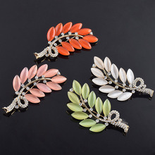 USTAR Created opal stone Leaf brooches for women pins gold color rhinestone cameo lapel pin scarf broche christmas gifts S8