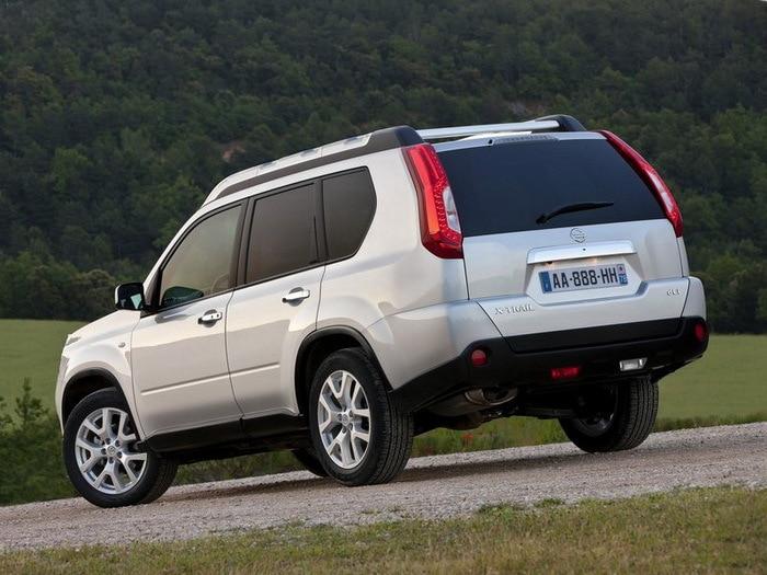 Nissan-X-Trail_2011-1