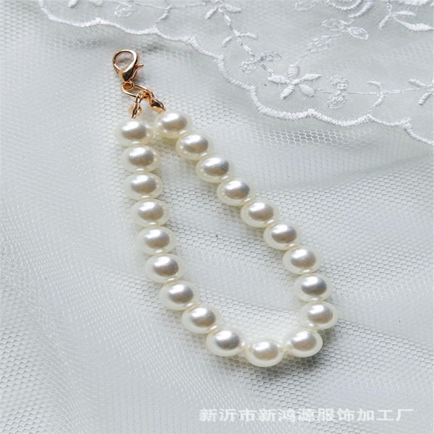 Environ 150 en Plastique Perles Taillées Cube Litière article bricolage mariage