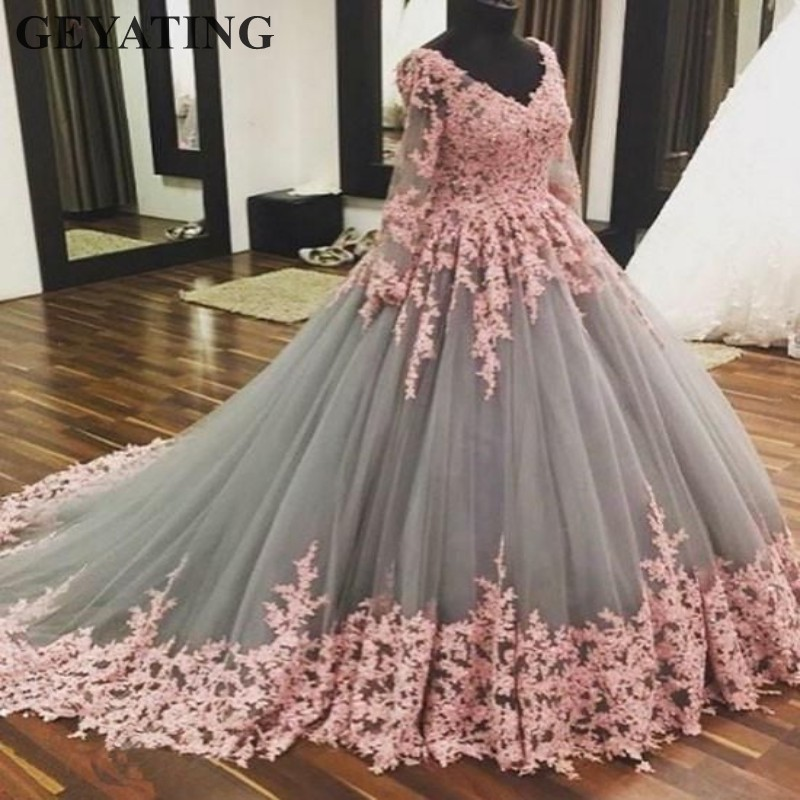 2019 Saudi Arabic Ball Gown Grey Muslim Wedding Dress Long Sleeves V-neck Pink Lace Appliques Tulle Dubai Bridal Wedding Gowns gown