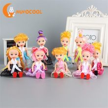 5Pcs 11CM Girl Doll Toy Random Delivery Small Doll with Dress and Shoes Cute American Doll Toys for Children Kids Girl(China)