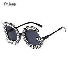 Ywjanp Fashion Diamond D G Round Sunglasses Women Luxury Brand Plastic Leg Oversized Sun glasses Vintage Shades Ladies Glasses