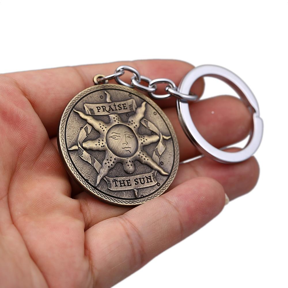 HSIC Dark Souls 3 Keychain Solaire Of Astora Sun Emblem Metal Alloy Shield Keyring Holder llaveros Men Car Chaveiro HC12929