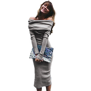Платье JYConline женское вязанное с открытыми плечами по фигуре