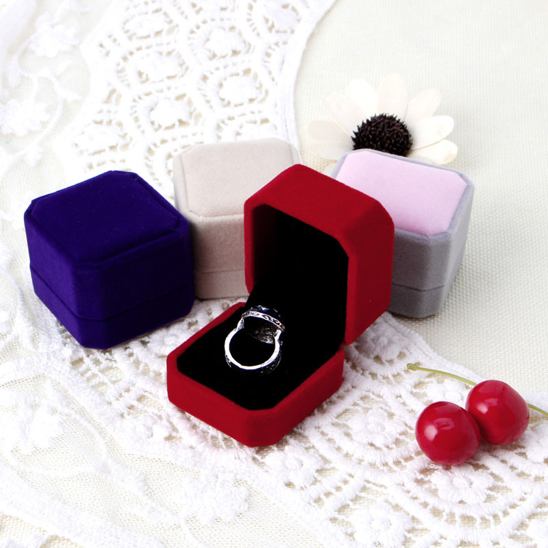 Fashion Velvet Engagement Wedding Earring Ring carrying cases Pendant Jewelry Display Box Gift