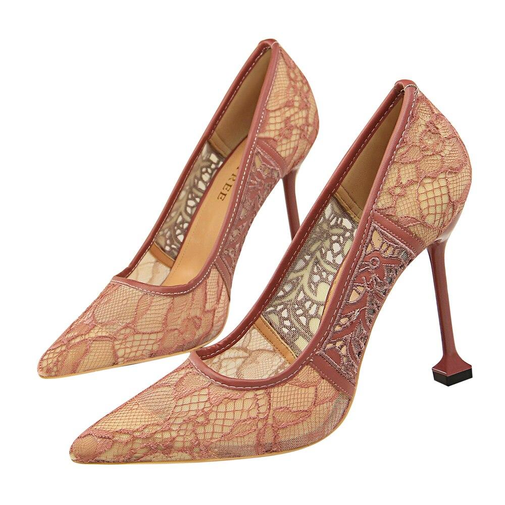 Туфли женские кружевные на высоком каблуке свадебные туфли лодочки заостренный