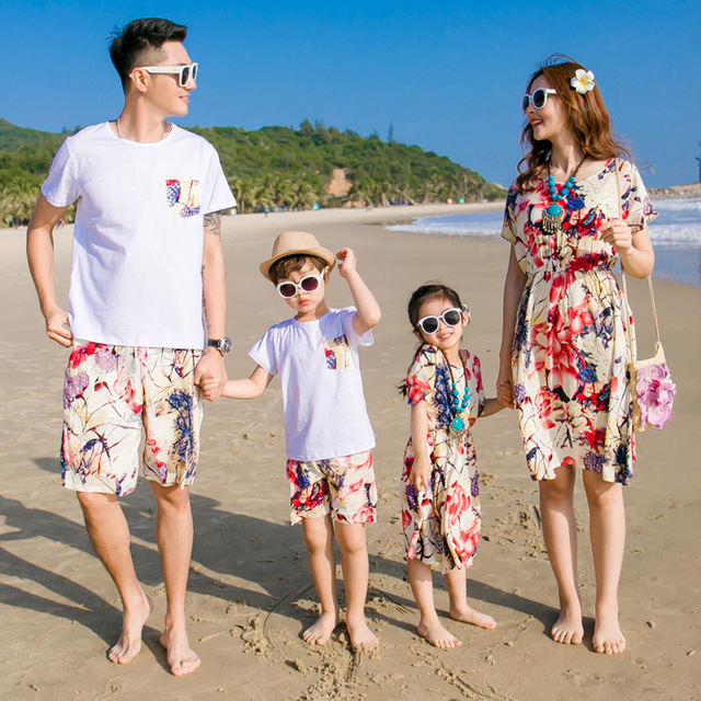 ae7ea8c949 2018 Sale New Beach Family Matching Outfit Cotton Mother/mom And Daughter  Dress Clothes Father