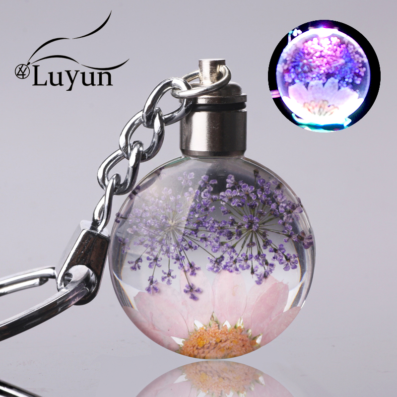 Luyun Small Fresh Dried Flower Keychain Round Crystal Glass Key Chain Key Ring Wholesale