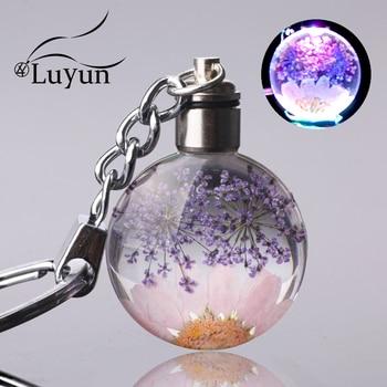 Luyun Small fresh dried flower keychain round crystal glass key chain key ring Wholesale