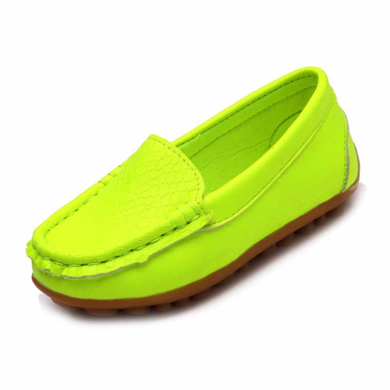 WOTTใหม่เด็กรองเท้าคลาสสิกแฟชั่นPUรองเท้าสำหรับสาวๆหนุ่มๆรองเท้าแบนสบายๆเด็กรองเท้า(เรืองแสงสีเขียว)