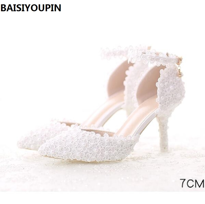 2018 The New Pearl White Lace Wedding Shoes with Fine Pointed Bride Dress Shoes with High 7cm Two Type Women's Shoe Pumps shoes blue lace flower bride white pearl diamond wedding shoes pointed high heeled sandals dress shoes bag set pink shoes set