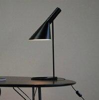 Европейская AJ настольная лампа лампада студия спальня гостиная бюро лампа Отель светодио дный Офис Светодиодная настольная лампа черный б