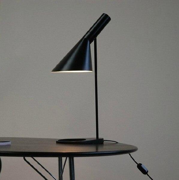 L'europe AJ Table Lampe lampada studio Chambre Salon bureau lampe Hôtel bureau led lampe de bureau Noir Blanc vintage bureau lampe