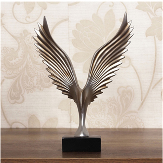 Creative Home Decor Eagle Wing Abstract Sculpture Decoration Figurine Decorative Resin Hawk Statue TV Background Xmas