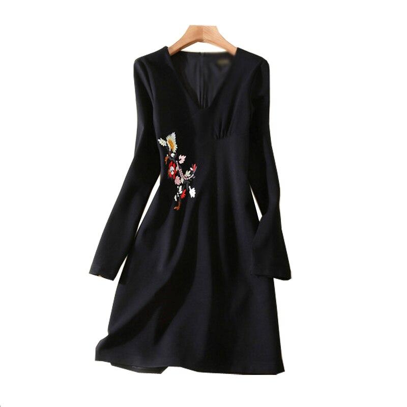 Nouveau 2018 printemps mode supermodel catwalk haut de gamme femmes noir Slim broderie robe femme