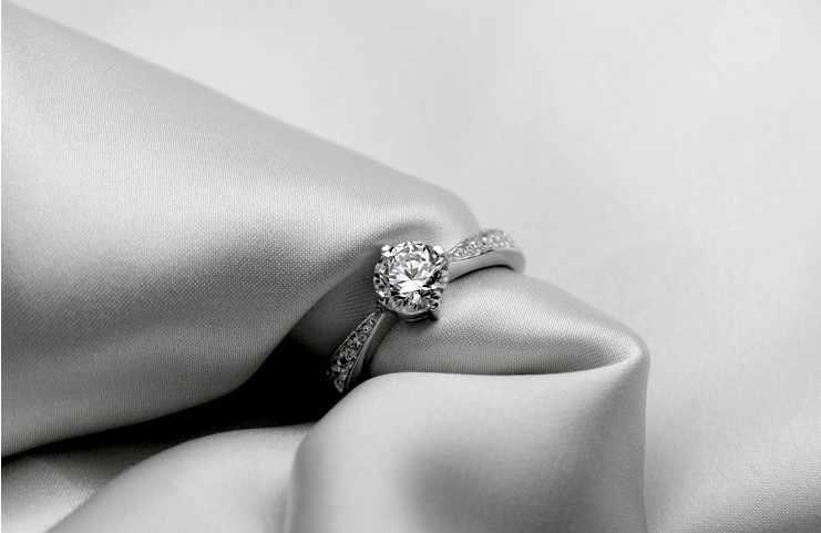 2017 تصميم جديد رومانسية السيدات لامعة تشيكوسلوفاكيا الزركون و 925 فضة خواتم الزفاف النساء ترويج المجوهرات هدية قطرة الشحن