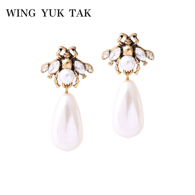 wing yuk tak Cute Vintage Fashion Crystal Flower Insect Stud Earrings For Women Simple Romantic Imulated Pearl Alloy Bee Earings