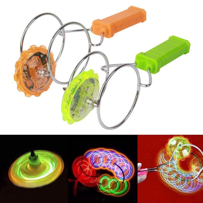 1 Uds. Ruedas giroscópicas magnéticas iluminadas, divertida luz intermitente, juguete giratorio para niños M09 1 pieza LED luz pelotas de Golf brillo intermitente en la oscuridad pelotas de Golf de noche Multi Color formación pelotas para practicar Golf, regalos