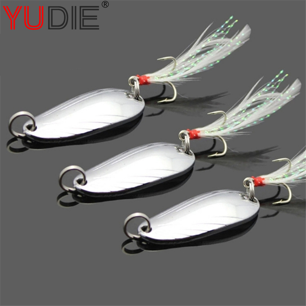 1Pcs 2 Size 4.5 cm # 5 cm 3 g#5 g  Sequins With Feathers And Sharp Metal Triple Hard Hook Bait Rocking Noise Fishing Gear
